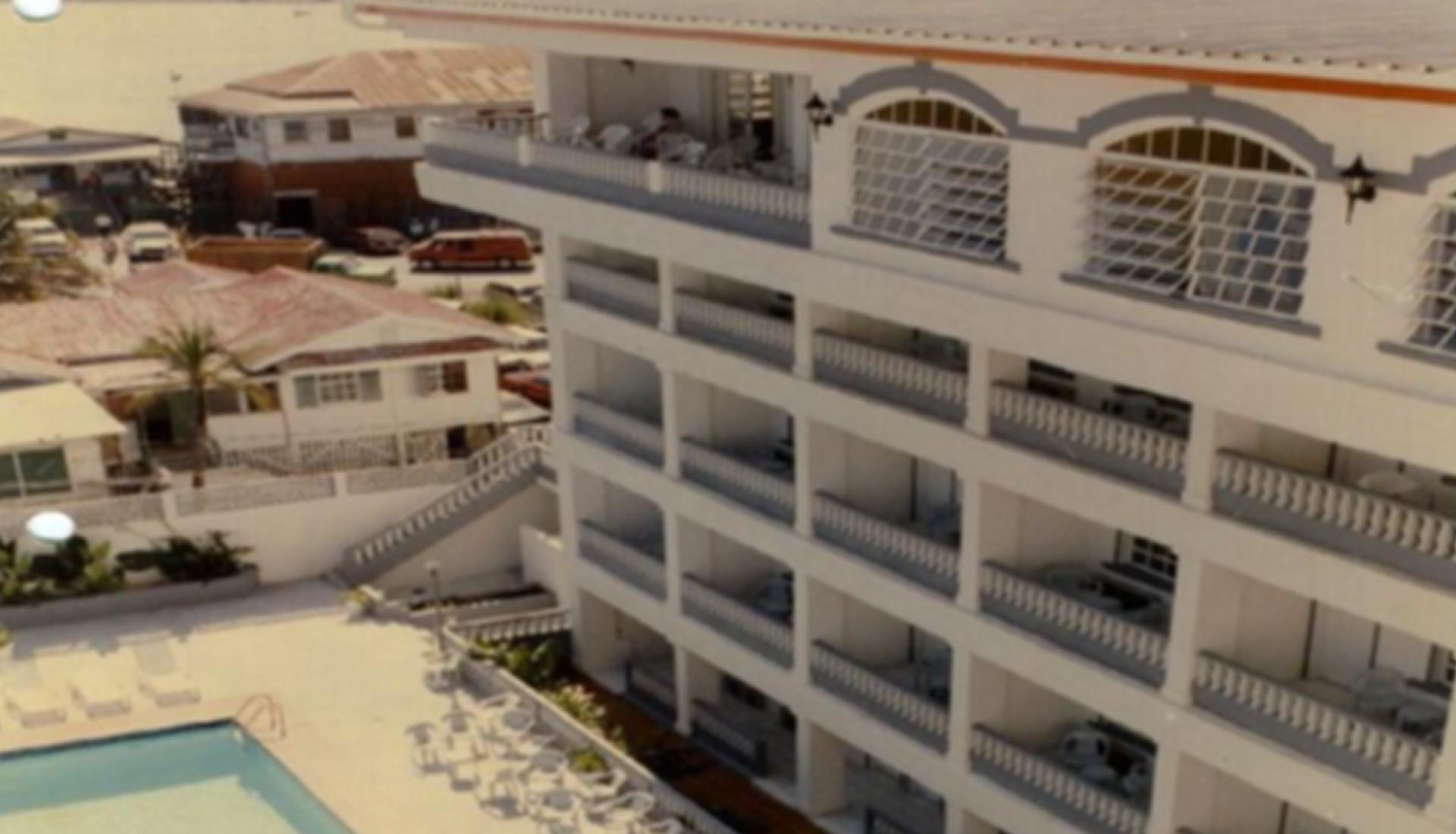 Radisson-Hotel,-Villa-Wing